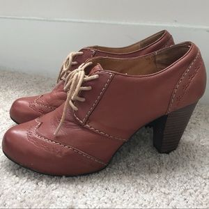 Fossil Leather Oxford Booties With Stitching